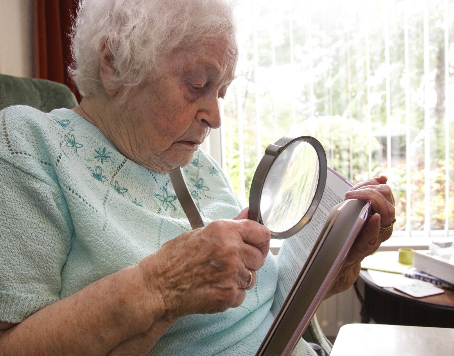 המטפלים העיקריים בקשישים לאחר שבץ מוחי: השלכות הטיפול על המטפלים וההבדלים במתן הטיפול בין המינים- סקירת ספרות